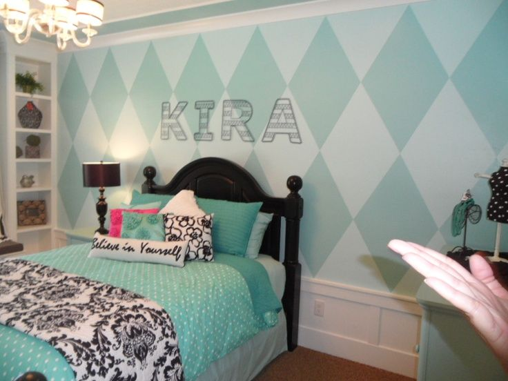 pink and black rooms | black and turquoise room