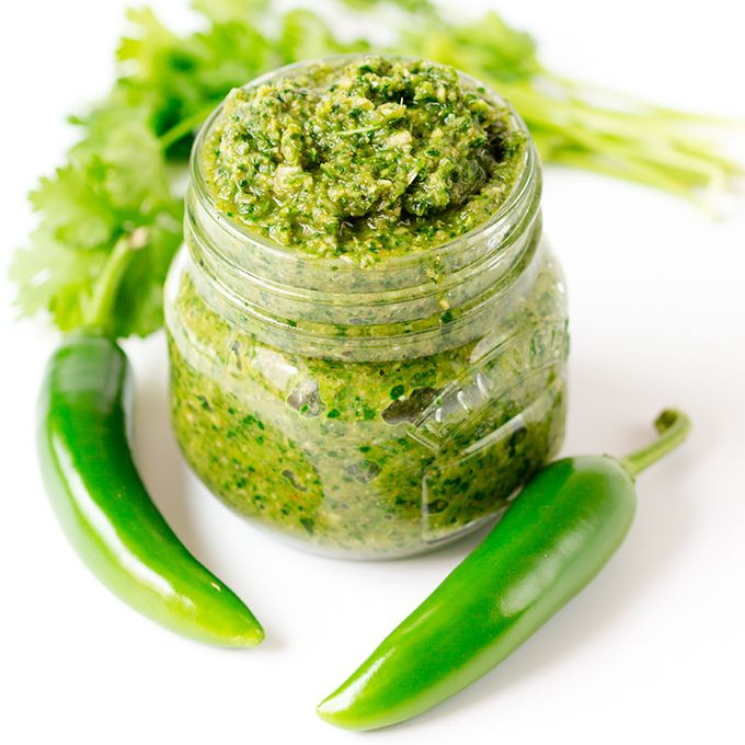 An easy oil-free Thai Green Curry Paste mix. Bags of flavour with less than 23 calories per portion (syn free on Slimming World Extra Easy)