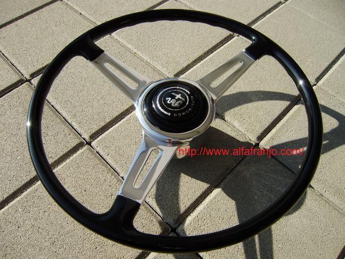 Correct steering wheel - restored by alfafranjo