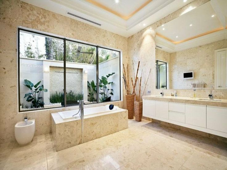 baño amplio pulido
