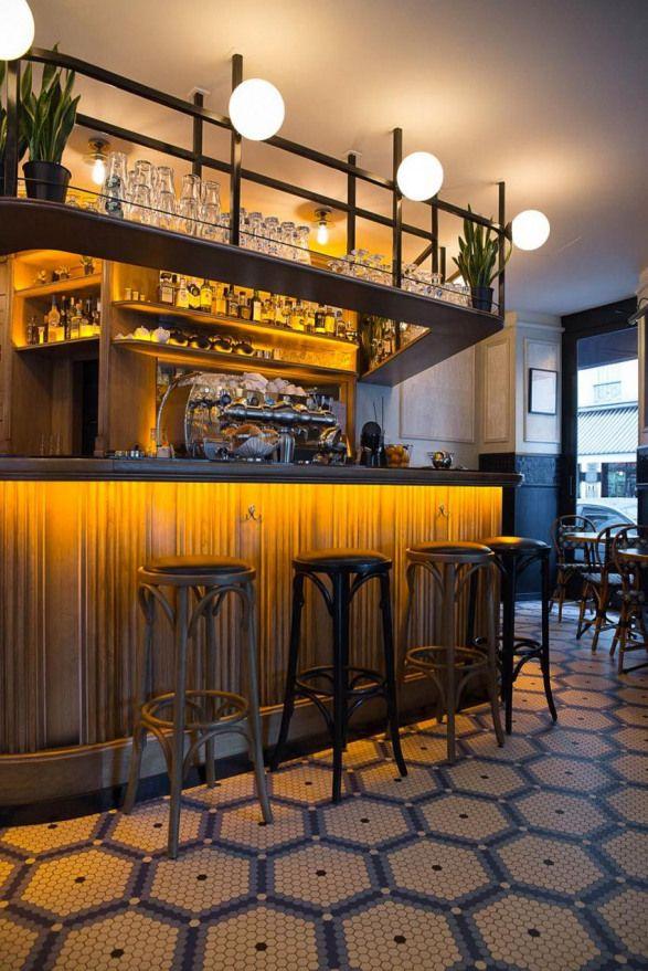 Comptoir Et Tabourets De Bar Du Cafe Mademoiselle De Paris Sol En Mosaique Whickelmans Decoration Par Le Studio Emma Roux Restaurant Bistro Interior Cafe Interior Bar Counter Design