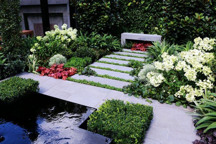 Minimalistischer Garten und Landschaftsbau - Gartenwege aus Trittsteinen