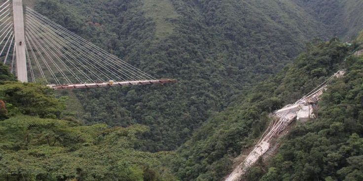 Colapso de puente deja 9 muertos en vía Bogotá-Villavicencio