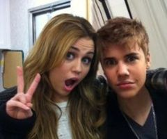 Old picture of Justin Bieber and Miley Cyrus! Meet both of them!