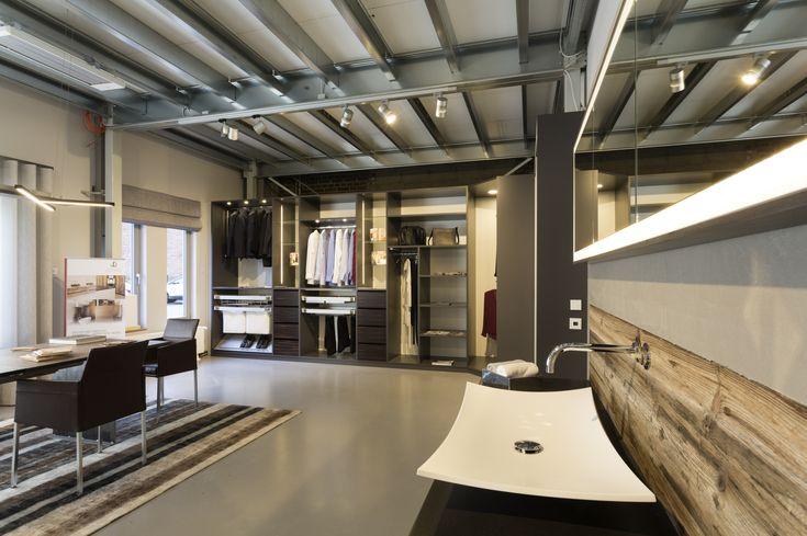 Tischlerei Köln - Besuchen Sie unseren Showroom und finden Sie Ideen für Tische,Einbauschränke, Kleiderschräke, Küchen und Badmöbel