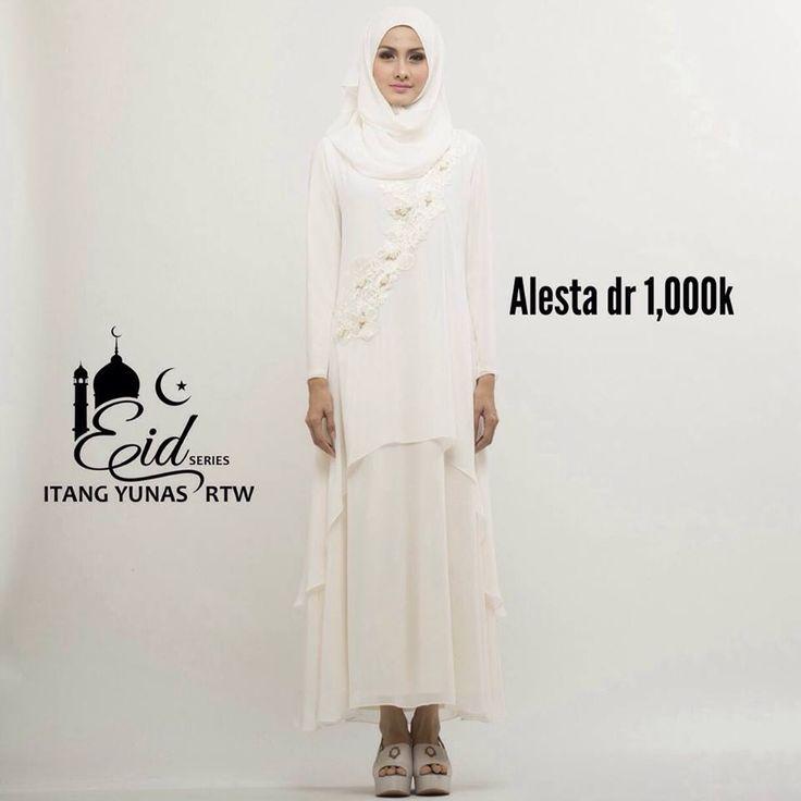 koleksi ramadhan by Itang Yunasz Ready To Wear  untuk info dan pemesanan SMS/WA 085395385663 atau Line moshaictmks