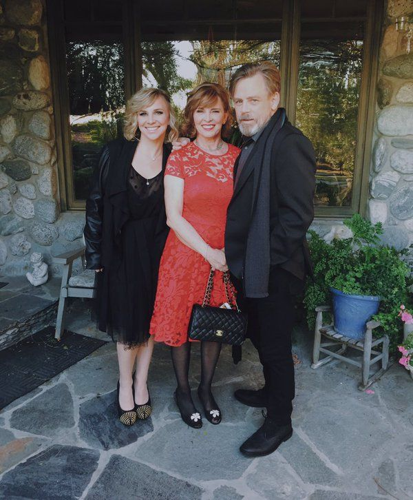 Mark Hamill ‏@HamillHimself   Thank you @mcurranstylist @PaulSmithDesign & my two best girls for helping me look halfway decent #TBT #TFAPremiere   Marilou Hamill and Chelsea Hamill