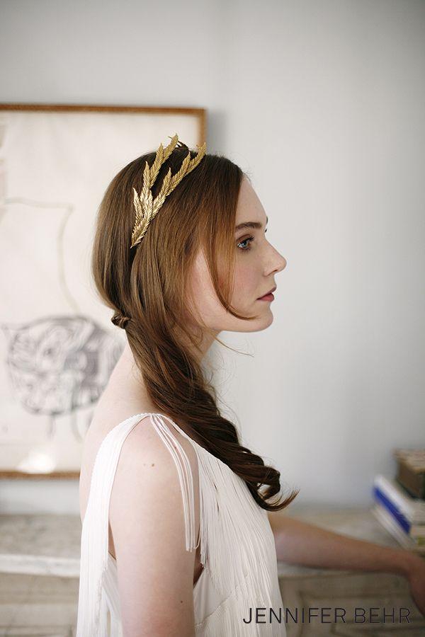 Jennifer Behr Bridal.  Pyrrha Tiara available at www.jenniferbehr.com. Wedding hair bridal veil headpiece. Photography by Belathee.