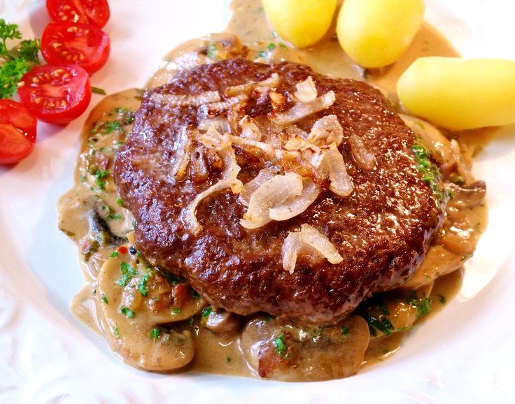 Das perfekte XXL-Steakhaus-Burger auf Champignons-Rezept mit einfacher Schritt-für-Schritt-Anleitung: Die Pilze putzen und in dicke Scheiben schneiden;…
