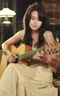 Lirik Lagu Maudy Ayunda - Cinta Datang Terlambat « kancil sharing