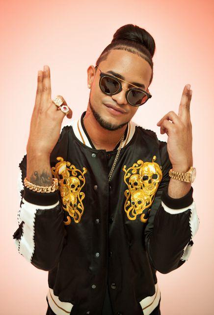 """MOZART LA PARA Lanzamiento Mundial de su nuevo sencillo """"Fiesta y Vacilón""""   El líder del movimiento urbano en la República Dominicana MOZART LA PARA lanza su esperado sencillo Fiesta y Vacilón; su primer lanzamiento bajo el sello RocNation Latin y primer sencillo de su álbum debut. """"Fiesta y Vacilón"""" fue escrito por el propio MOZART LA PARA con la colaboración de LIGHT GM y Alcover. El tema grabado en We Loud Studios en el Bronx es producido por LIGHT GM cuyos créditos incluye: Farruko (The…"""