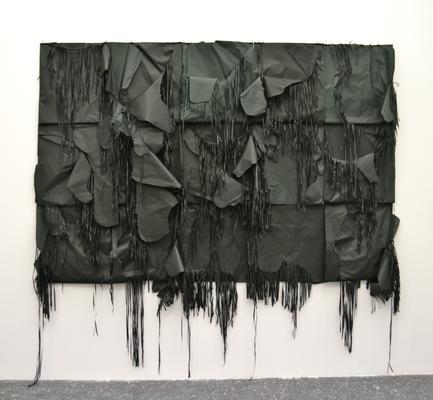 """""""Quindici esercizi di salvataggio"""" di Gianni Moretti, 2009, carta velina, 160 x 280 cm."""