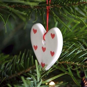 Ceramic heart decoration, red hearts