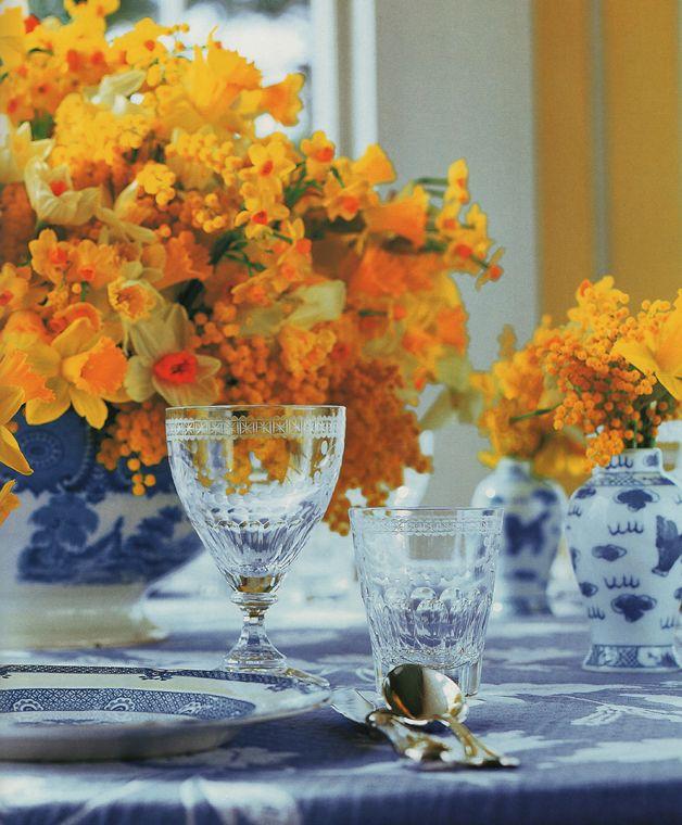 Muitas Cores e Flores nesta mesa de Carolyne Roehm         Carolyne Roehm