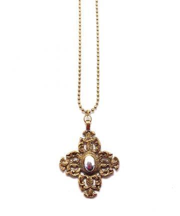 Long collier croix dorée Or