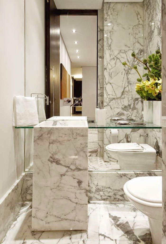 decorar lavabo antigo:Carrara Marble Powder Room