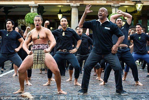 All Black legend Jonah Lomu perfoms the Haka in Covent Garden this week... His last Haka R.I.P.