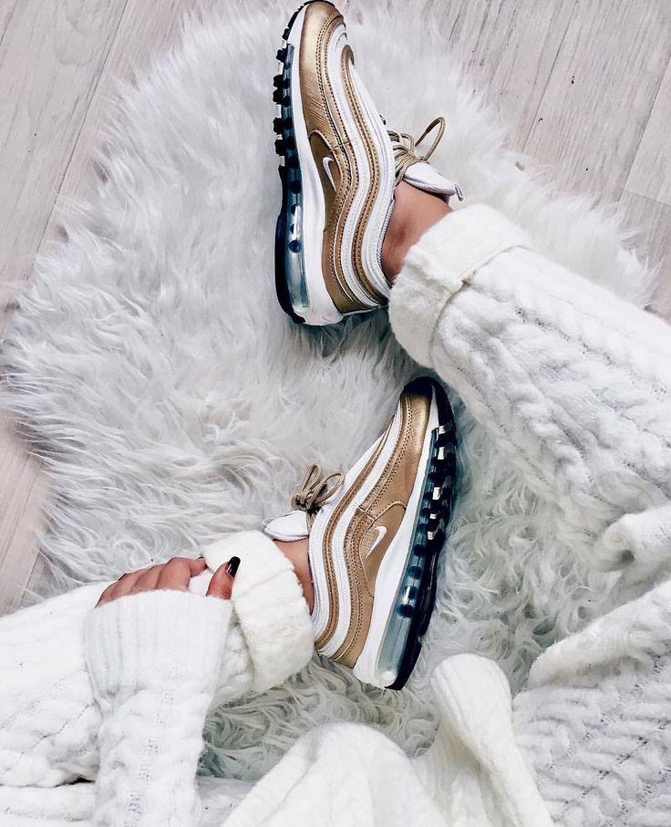 Nike Air Max 97 in goldwhite Foto: nawellleee (Instagram