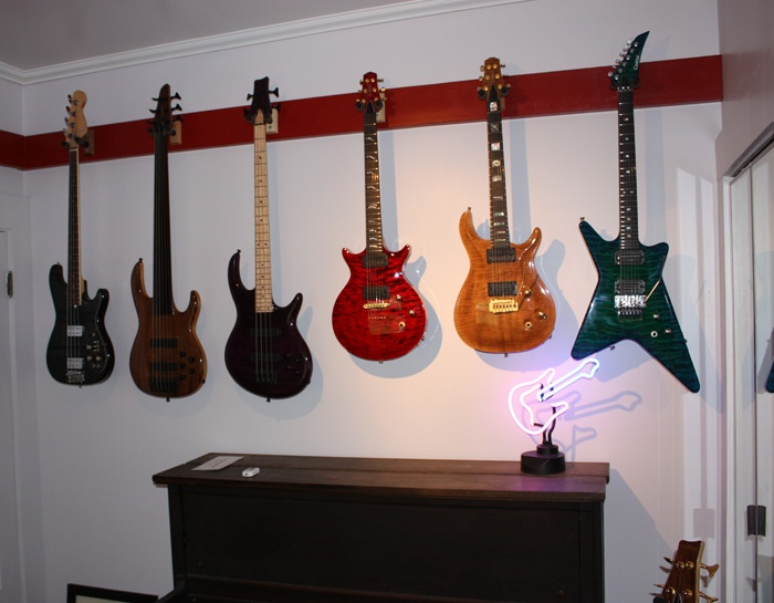 Inspiration for a vintage music man cave