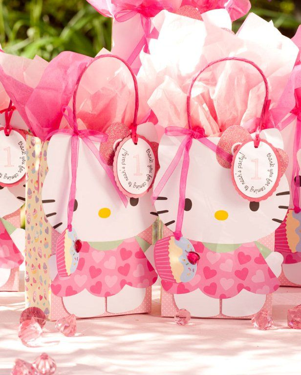 Hello kitty party favors.............LOVE these bags!