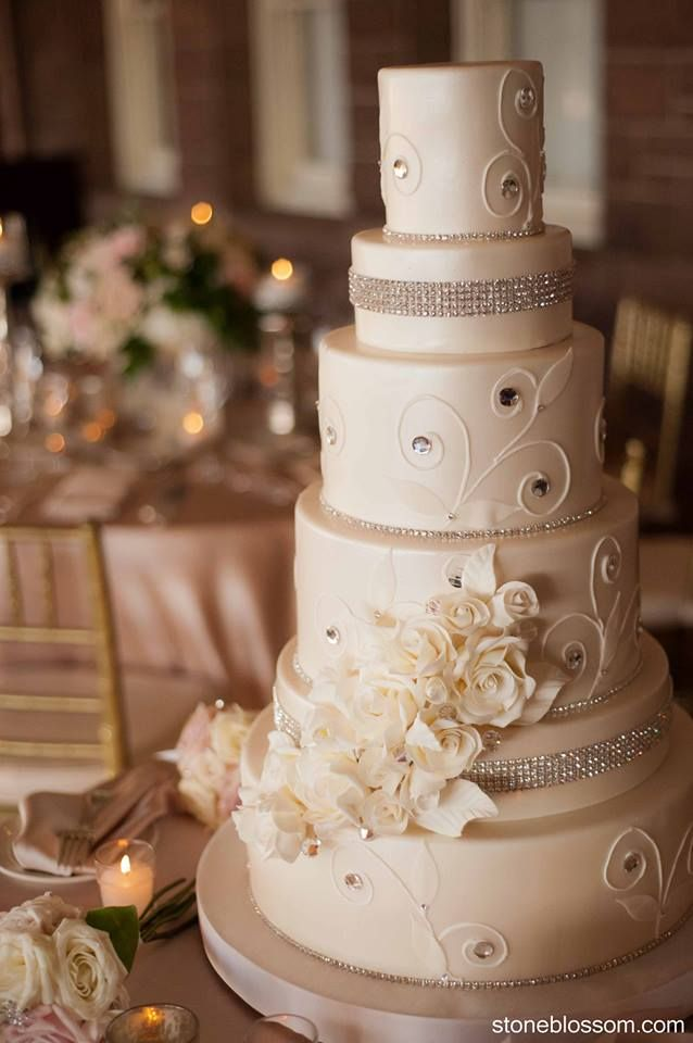 So Incredibly Pretty Wedding Cakes - MODwedding;  Cake: Confectionery Designs; Featured Photo: Snap! Photography