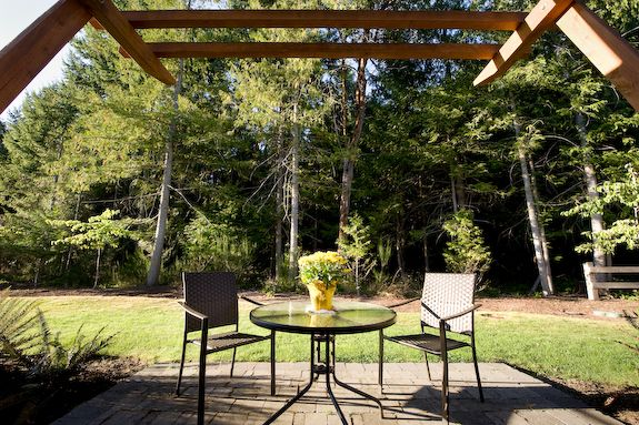 Relax on the private rear patio on a sunny day. Start the BBQ, grab the wine we are providing for our guests and enjoy the lovely forest view. To end a perfect day, head out to the beach, that only takes you 5 minutes, and have a long stroll on Parksville warm, soft, sandy beach!!!