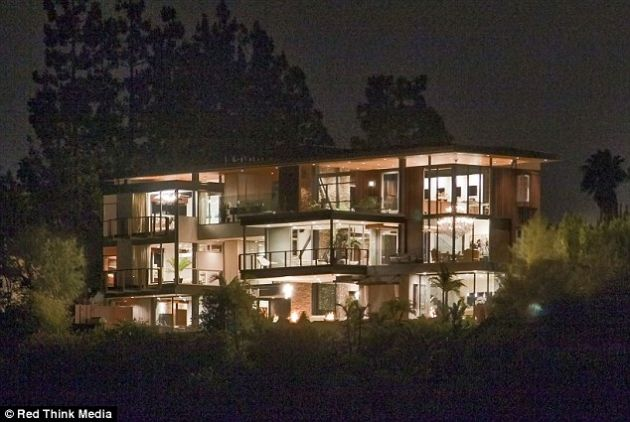 Fotos de la casa de Justin Bieber - Cachicha.com: Future Houses, Hollywood Hill, Justin Bieber, Celebs Houses, Dreams Houses, Ashton Kutcher, Lakes Houses, Hollywood Home, Bieber Houses