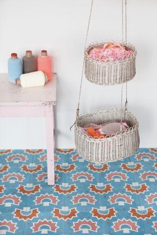 Les 70 meilleures images du tableau handmade tiles for Petit pan carreaux ciment