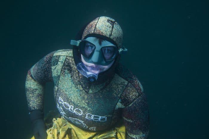 Scottish Freediver, Shutterbug Janeanne Gilchrist Unveils Underwater Photography Exhibit https://www.deeperblue.com/scottish-freediver-shutterbug-janeanne-gilchrist-unveils-underwater-photography-exhibit (Freediving)