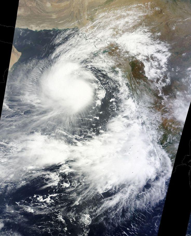"06/08/2015 - Cyclonic Storm ""Ashobaa"" forms in the Arabian Sea, heading toward Pakistan and Iran"