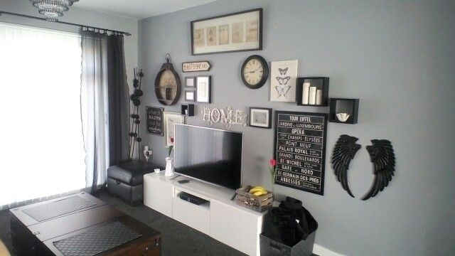 wall gallery over tv warm pewter grey walls by dulux not. Black Bedroom Furniture Sets. Home Design Ideas