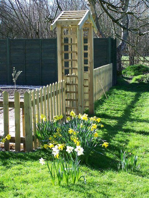 Love the picket fence and gate