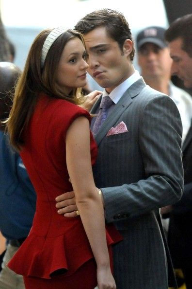 Ed Westwick And Leighton Meester Kiss On The Set Of 'Gossip Girl'