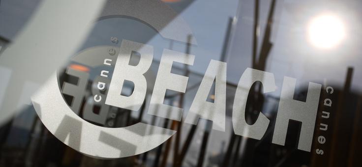 Plage privée de l'Hotel Renoir à Cannes, sur la Croisette
