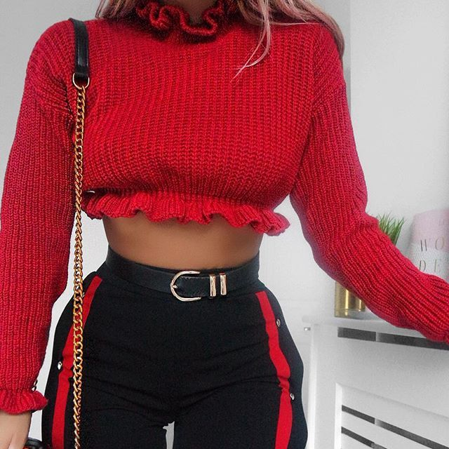 Embracing the popper trousers trend with my dream @rebelliousfashion pair ❤️ there are links to the outfit details in my story & you can use code LYDIAA15 for 15% off at the checkout #RBabez #rebelliousfashion AD