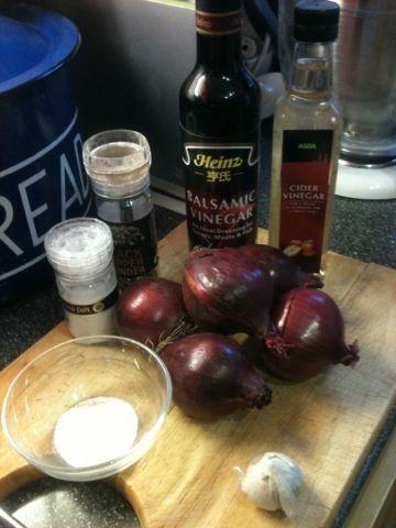 Vicki-Kitchen: Sticky red onion relish (slimming world friendly)