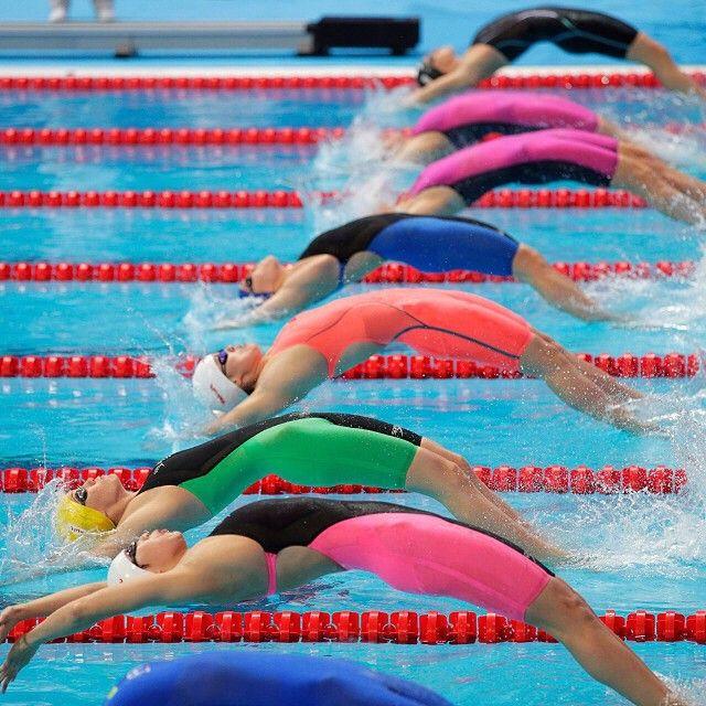 Speedo Fastskin lighting up the lanes in #Kazan2015! Lane 4 is on fire in the Limited Edition Siren #LZRRacerX ... #Swimming