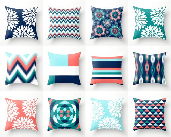 Throw Pillows Pillow Covers Navy Aqua Coral Teal par HLBhomedesigns