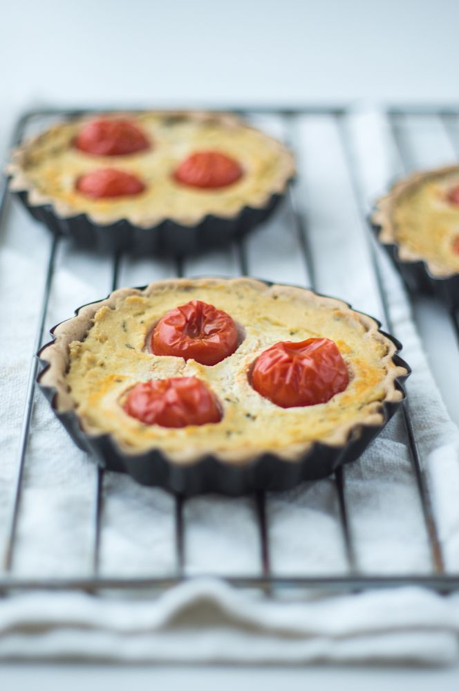 #vegan tart with cherry #tomatoes