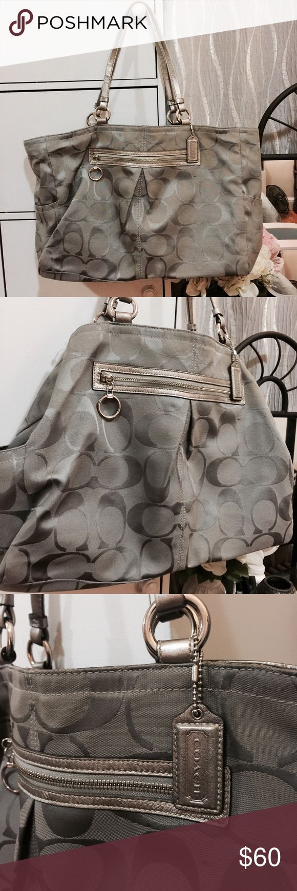 Coach silver tote bag 👜👜👜 Large tote bag with Purple lining perfect for traveling. Bag doesn't have a zipper just a clasp. I used to use for airport traveling. Coach Bags Totes