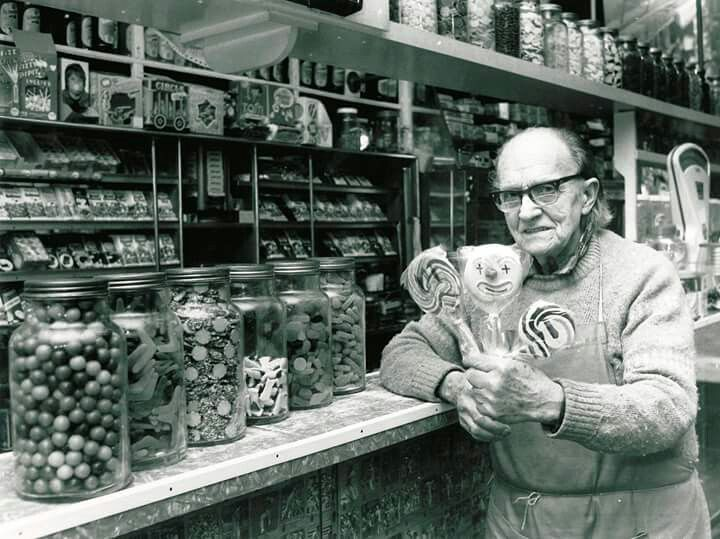Mr Keary's Lolly Shop in the Sydney suburb of Strathfield, NSW (photo undated). v@e