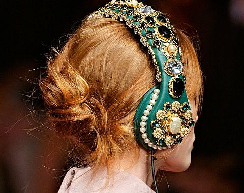 Modne słuchawki dla stylowej kobiety - przegląd