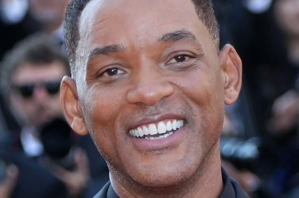 """Will Smith shared on Facebook the first photo of him with his castmates from the upcoming movie musical, """"Aladdin."""""""