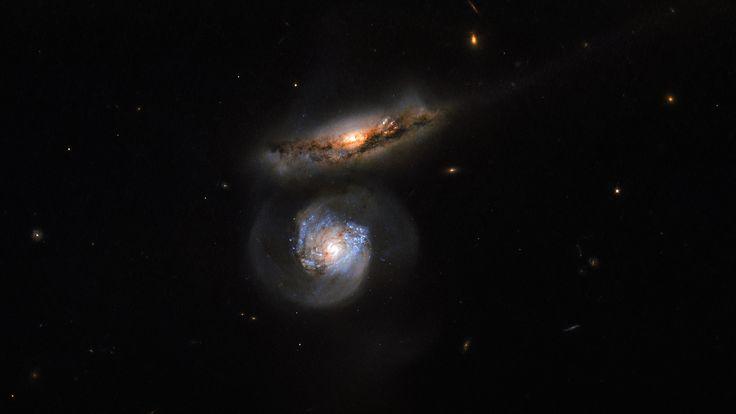 Megamaser cósmico, capturado pelo telescópio espacial Hubble • Blog do Maurício Araya