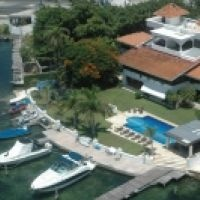 Excelente casa en Condominio en zona hotelera de Cancun - $550,000 USD mas info: http://www.amigopaco.com/detail-20051-excelente-casa-en-condominio-en-zona-hotelera-de-cancun-en-usd.html