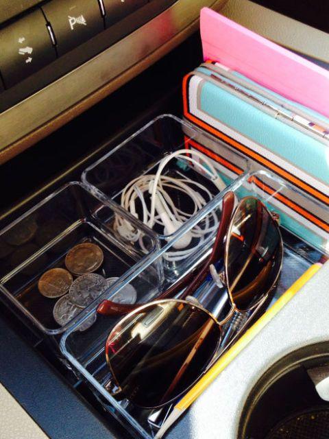Use an Acrylic Tray in Your Car's Console #organizingtips