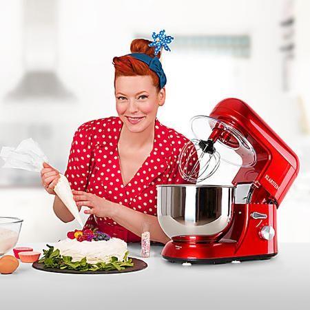 Enie empfiehlt die Bella Rossa Küchenmaschine: Jetzt den innovativen Alleskönner zum Top-Preis in Top-Qualität von Klarstein ausprobieren.