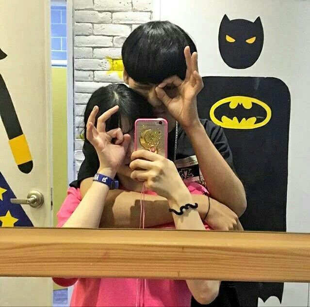 ulzzang mirror couple #ulzzang #korea #tumblr #boy #girl #couple  @gellllll ∵누닠 hyungnedno∵