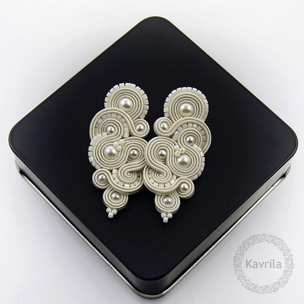 Mirine pearl soutache - kolczyki ślubne sutasz KAVRILA #sutasz #kolczyki #ślubne #rękodzieło #perły #soutache #handmade #earrings #wedding #ivory #kavrila
