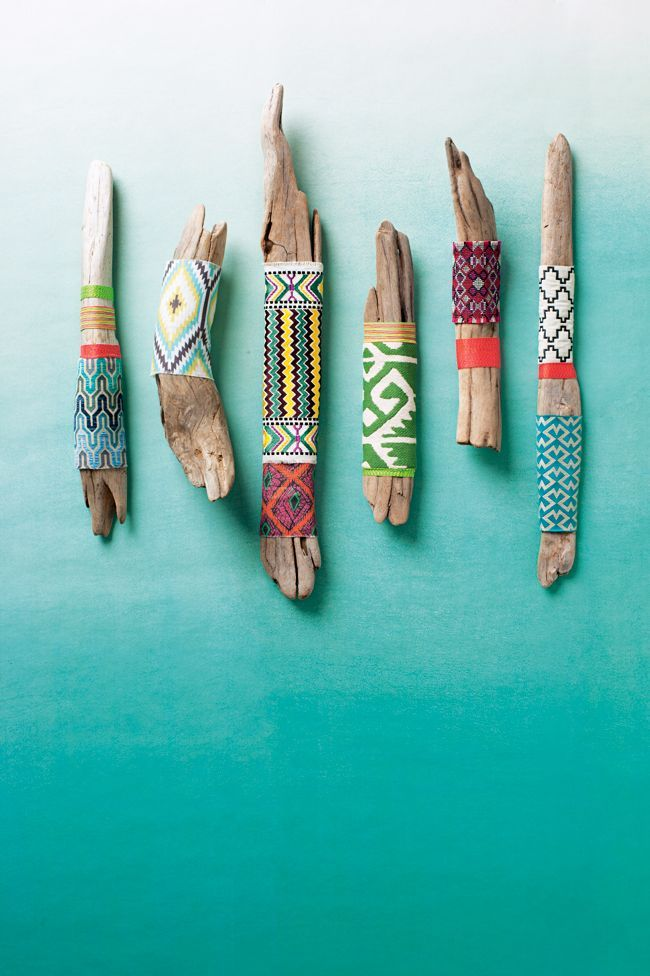Wrap driftwood in printed fabrics. Beach decor.                                                                                                                                                                                 Más